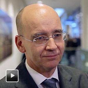 CED: Nicht ohne die Chirurgen! - Prof-Anton-Kroesen_300px